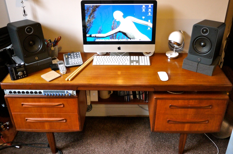 audio workstation desk plans hostgarcia. Black Bedroom Furniture Sets. Home Design Ideas